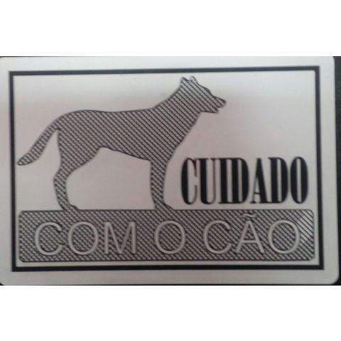 Placa gravada de cão
